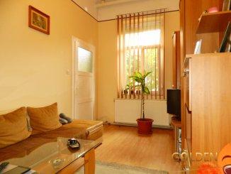 de vanzare apartament cu 3 camere semidecomandat,  confort 1 in arad