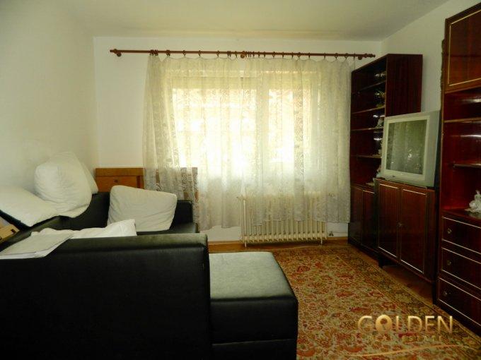 Apartament de vanzare direct de la agentie imobiliara, in Arad, in zona Aurel Vlaicu, cu 55.000 euro negociabil. 1 grup sanitar, suprafata utila 68 mp.