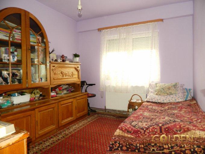Apartament de vanzare direct de la agentie imobiliara, in Arad, in zona Banu Maracine, cu 53.700 euro negociabil. 2 grupuri sanitare, suprafata utila 66 mp.