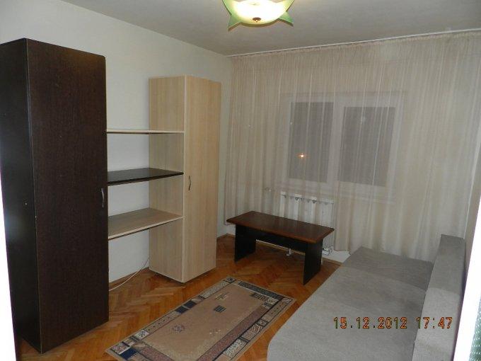 proprietar inchiriez apartament decomandat, in zona Alfa, orasul Arad