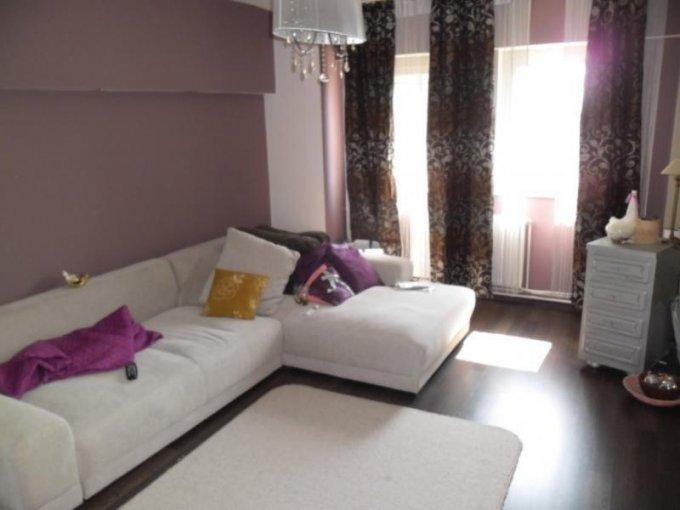 Apartament cu 3 camere de vanzare, confort Lux, zona Piata Garii,  Arad