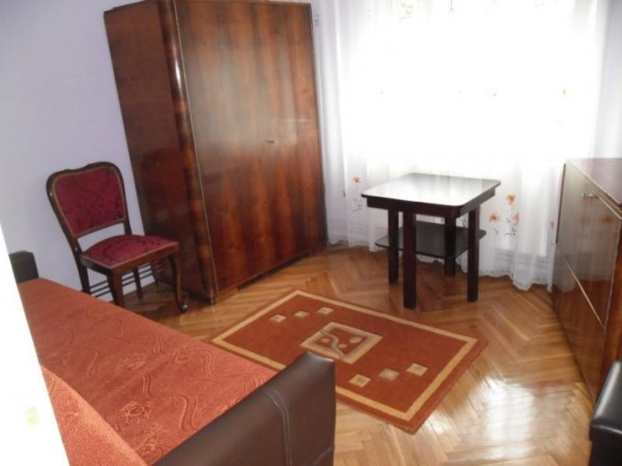 Apartament cu 3 camere de inchiriat, confort Lux, zona Boul Rosu,  Arad