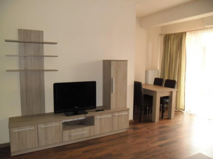 Apartament cu 3 camere de inchiriat, confort Lux, zona UTA,  Arad