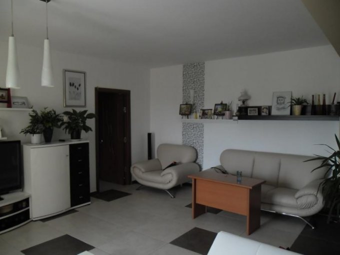 Arad, zona Subcetate, apartament cu 3 camere de inchiriat