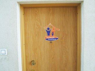 vanzare apartament decomandat, zona Subcetate, orasul Arad, suprafata utila 82.79 mp