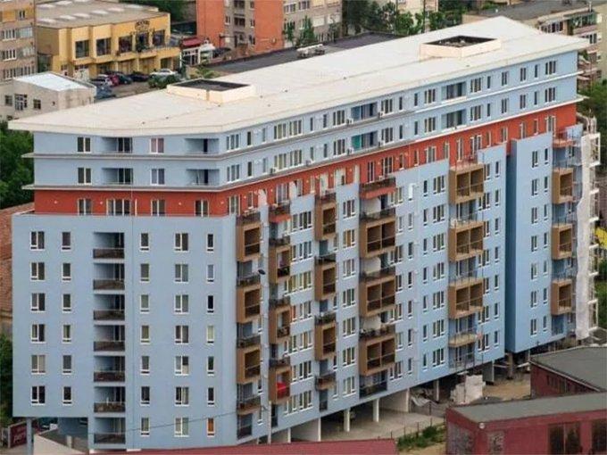 Apartament vanzare Boul Rosu cu 3 camere, etajul 1 / 6, 2 grupuri sanitare, cu suprafata de 85 mp. Arad, zona Boul Rosu.