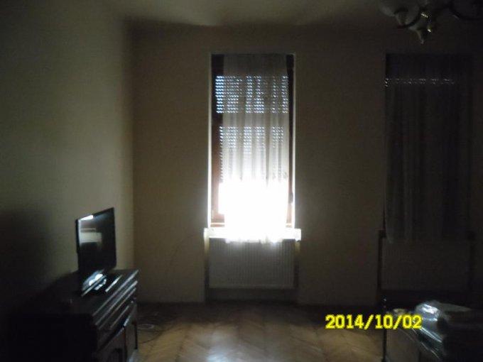 agentie imobiliara vand apartament semidecomandat, in zona Andrei Saguna, orasul Arad