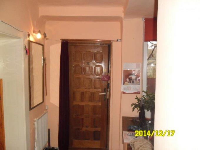 agentie imobiliara vand apartament semidecomandat, in zona Cartierul Functionarilor, orasul Arad