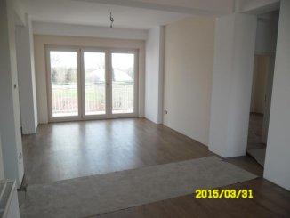 vanzare apartament cu 3 camere, semidecomandat, in zona Malul Muresului, orasul Arad
