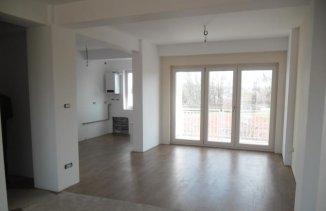 vanzare apartament semidecomandat, zona Malul Muresului, orasul Arad, suprafata utila 150 mp