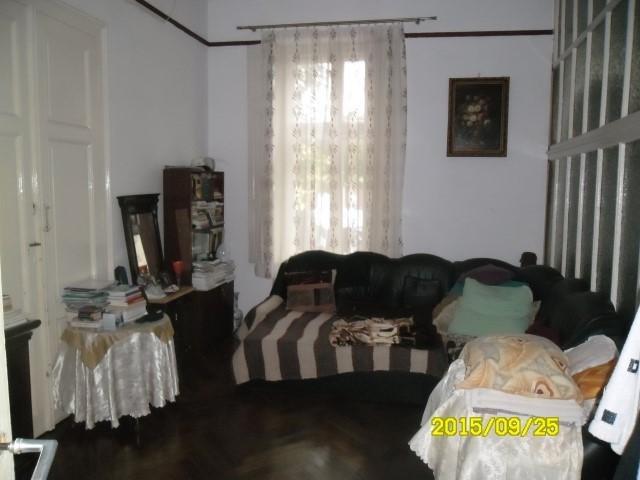 agentie imobiliara vand apartament semidecomandat, in zona Piata Mica, orasul Arad