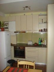 Apartament cu 3 camere de vanzare, confort Lux, zona Parneava,  Arad