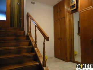 inchiriere apartament cu 3 camere, decomandat, in zona Praporgescu, orasul Arad