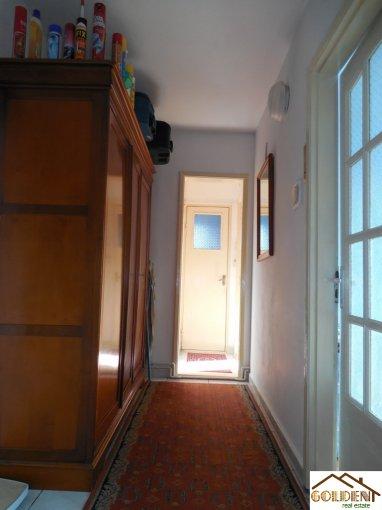 vanzare apartament cu 3 camere, decomandat, in zona Podgoria, orasul Arad