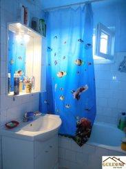 agentie imobiliara vand apartament decomandat, in zona Podgoria, orasul Arad