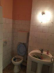 vanzare apartament cu 3 camere, semidecomandat, in zona Micalaca, orasul Arad