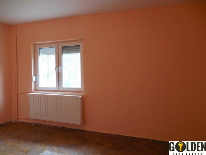 vanzare apartament decomandat, zona Micalaca, orasul Arad, suprafata utila 95 mp