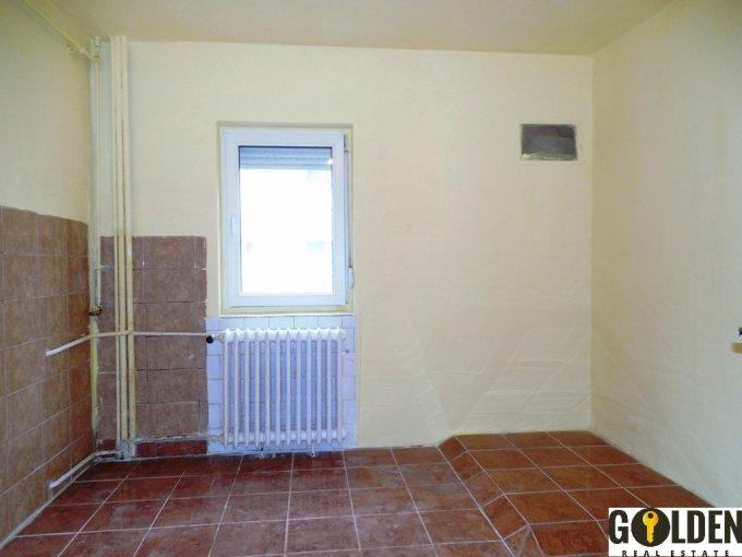 Arad, zona Micalaca, apartament cu 3 camere de vanzare