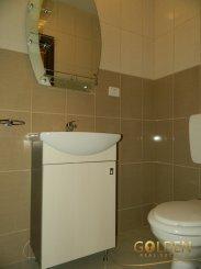 vanzare apartament cu 3 camere, decomandat, in zona Aurel Vlaicu, orasul Arad