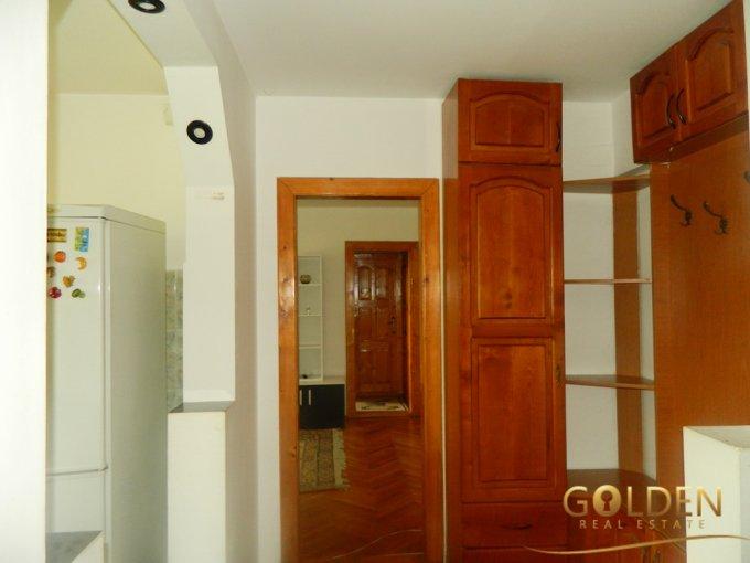 agentie imobiliara vand apartament semidecomandat, in zona Podgoria, orasul Arad