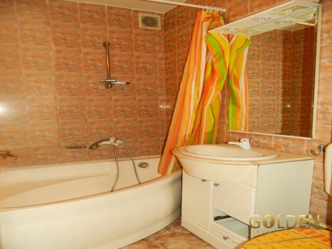 vanzare apartament semidecomandat, zona Podgoria, orasul Arad, suprafata utila 93 mp