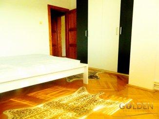 vanzare apartament cu 3 camere, semidecomandat, in zona Podgoria, orasul Arad