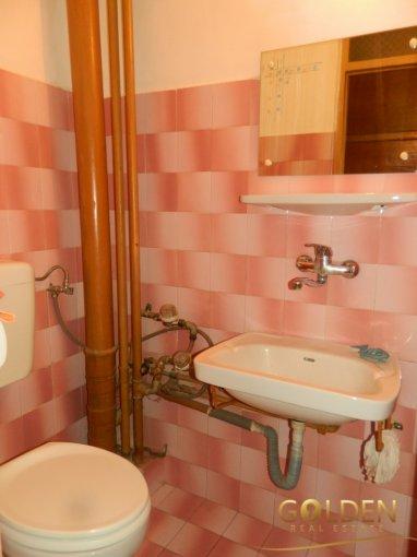 vanzare apartament cu 3 camere, decomandat, in zona Intim, orasul Arad