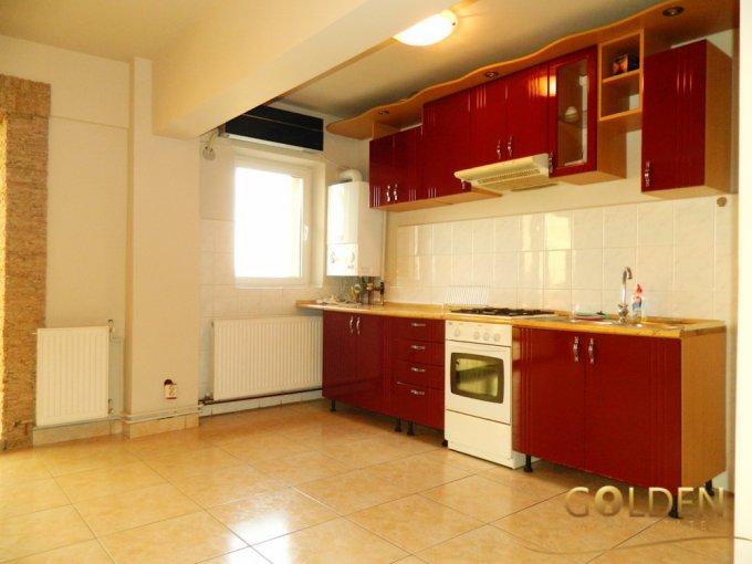 Arad Curtici, zona Ultracentral, apartament cu 3 camere de vanzare