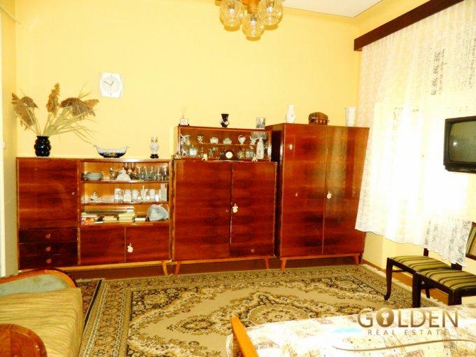agentie imobiliara vand apartament semidecomandat, in zona Centru, orasul Arad