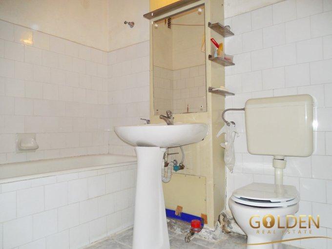 Apartament cu 3 camere de vanzare, confort Lux, zona Polivalenta,  Arad