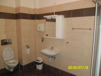 vanzare apartament cu 3 camere, decomandat, in zona Ultracentral, orasul Arad