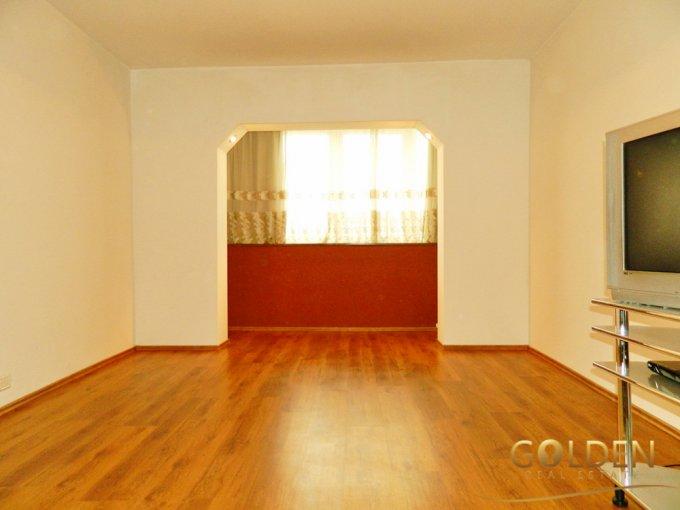 vanzare apartament decomandat, zona Intim, orasul Arad, suprafata utila 100 mp