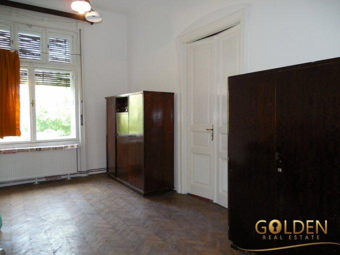 Apartament vanzare Arad 2 camere, suprafata utila 90 mp, 2 grupuri sanitare, 1  balcon. 55.000 euro negociabil. Etajul 2 / 2. Apartament Ultracentral Arad
