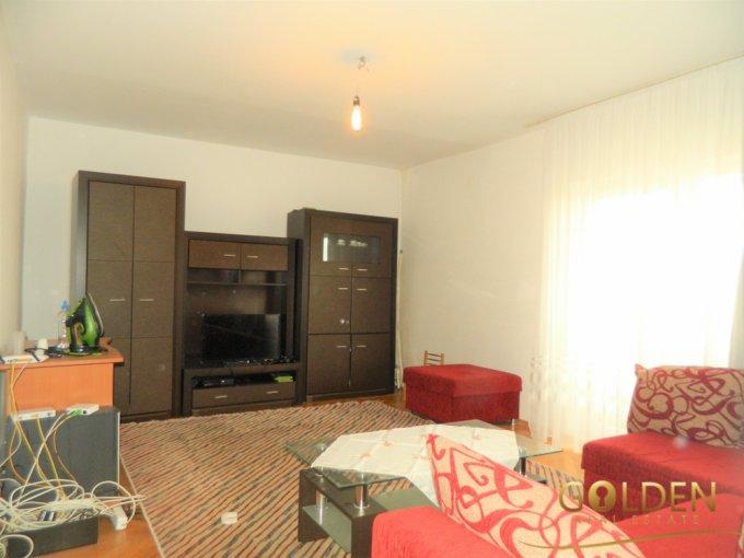 vanzare Apartament Arad cu 3 camere, cu 2 grupuri sanitare, suprafata utila 90 mp. Pret: 56.800 euro negociabil. Incalzire: Centrala proprie a locuintei.