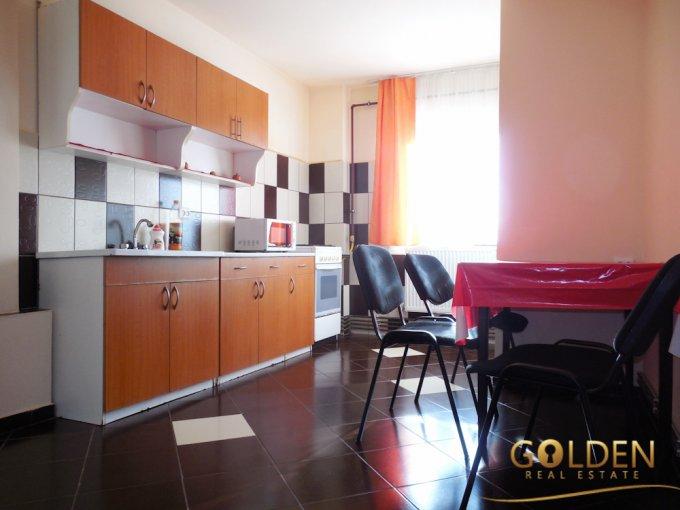 Apartament inchiriere Micalaca cu 3 camere, etajul 4, 2 grupuri sanitare, cu suprafata de 98 mp. Arad, zona Micalaca.