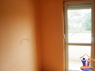 vanzare apartament decomandat, zona Micalaca, orasul Arad, suprafata utila 77.75 mp