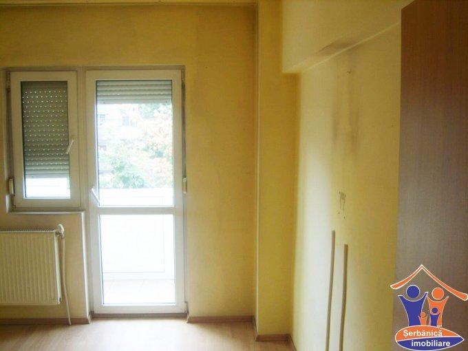 Apartament cu 4 camere de vanzare, confort 1, zona Micalaca,  Arad