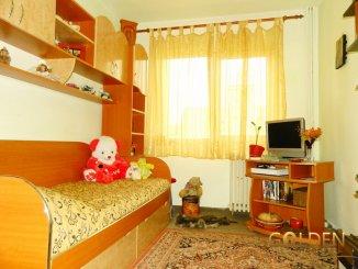 vanzare apartament cu 4 camere, decomandat, in zona Aurel Vlaicu, orasul Arad