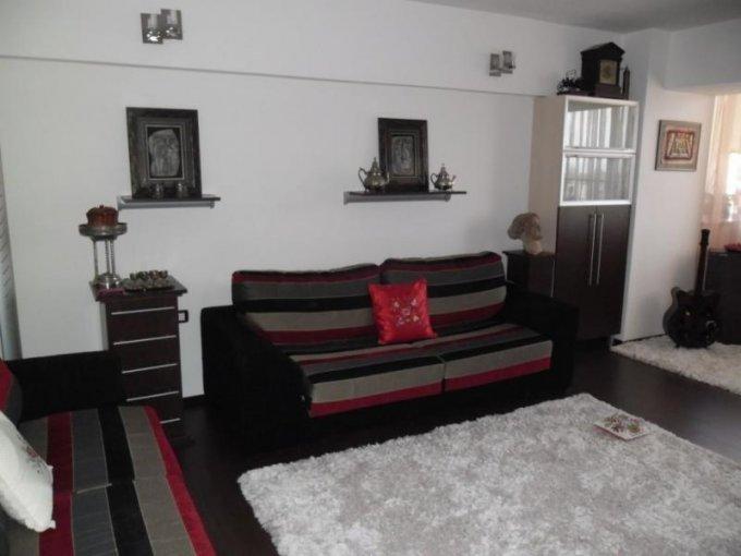 vanzare apartament decomandat, zona Vlaicu, orasul Arad, suprafata utila 100 mp