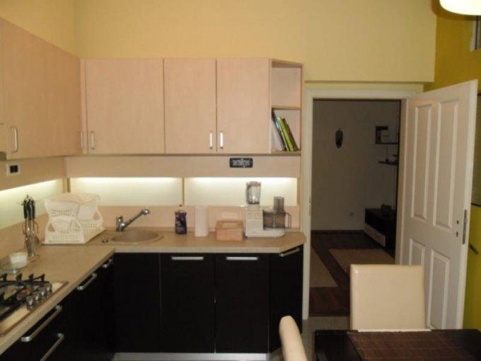 vanzare apartament decomandat, zona Ultracentral, orasul Arad, suprafata utila 90 mp