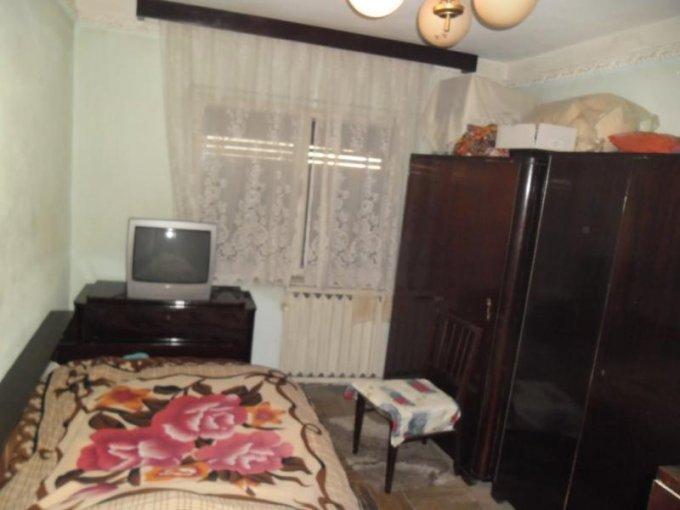 vanzare apartament decomandat, zona Alfa, orasul Arad, suprafata utila 100 mp