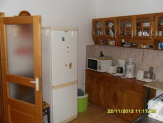 vanzare apartament cu 4 camere, semidecomandat, in zona Malul Muresului, orasul Arad