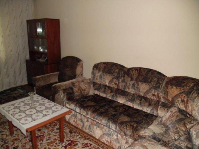 agentie imobiliara inchiriez apartament decomandat, in zona Ultracentral, orasul Arad