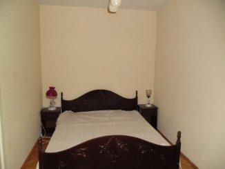 inchiriere apartament cu 4 camere, decomandat, in zona Ultracentral, orasul Arad