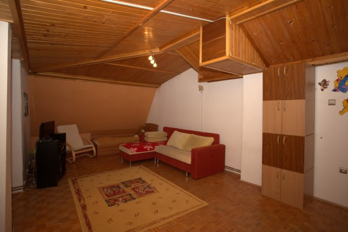 vanzare apartament semidecomandat, zona Ultracentral, orasul Arad, suprafata utila 150 mp
