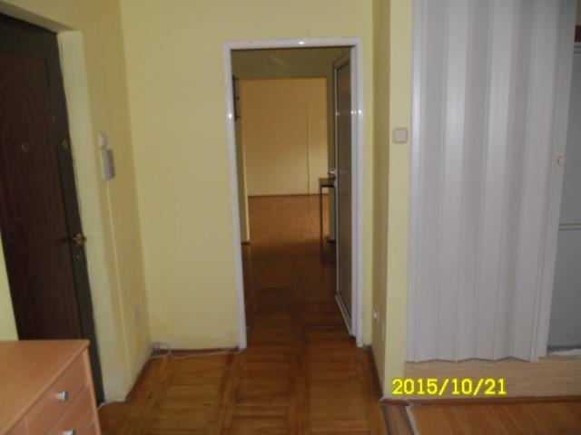 vanzare apartament cu 4 camere, decomandat, in zona Micalaca, orasul Arad