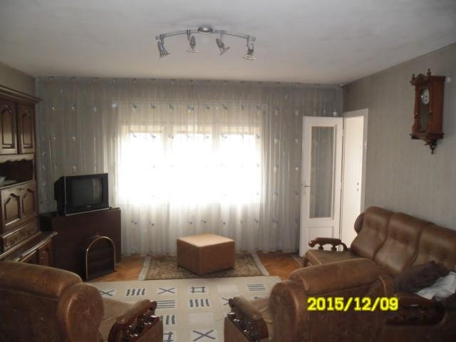 vanzare apartament semidecomandat, zona Intim, orasul Arad, suprafata utila 144 mp
