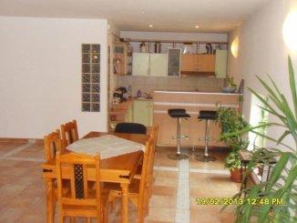 Apartament cu 4 camere de vanzare, confort Lux, zona Ultracentral,  Arad
