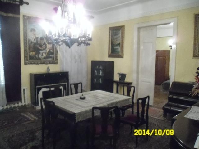 vanzare apartament cu 4 camere, semidecomandat, in zona Marasesti, orasul Arad
