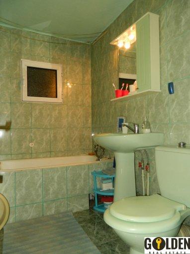vanzare apartament decomandat, zona Alfa, orasul Arad, suprafata utila 120 mp